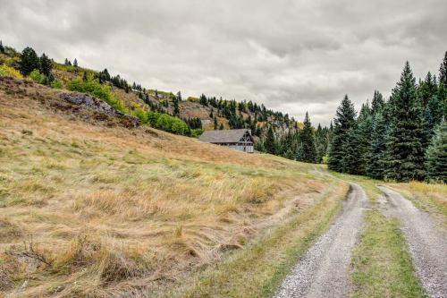 Landscapes-Crossing-Ghost-River-Plintz-Real-Estate-For-Sale