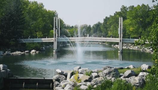 river-fountain-Eau-Claire-Calgary-Plintz-Real-Estate-Bow-River-Condos-Riverfront