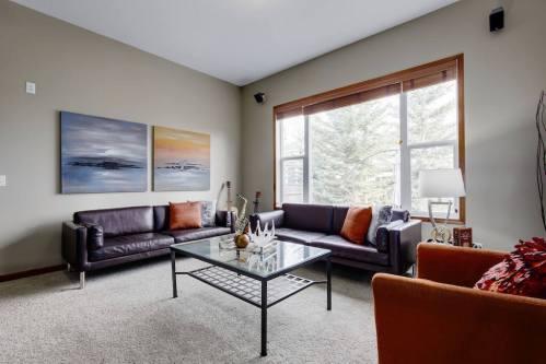sitting-room-303-Valley-Crest-Court-NW-Valley-Ridge-Plintz-Real-Estate-For-Sale-Calgary-Alberta