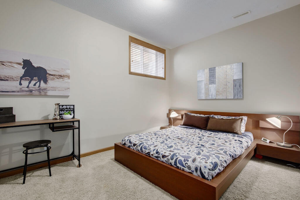 guest-bedroom-303-Valley-Crest-Court-NW-Valley-Ridge-Plintz-Real-Estate-For-Sale-Calgary-Alberta