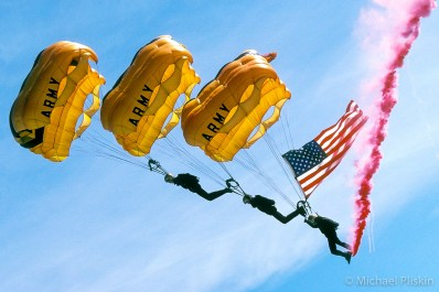 U. S. Army Golden Knights parachute team