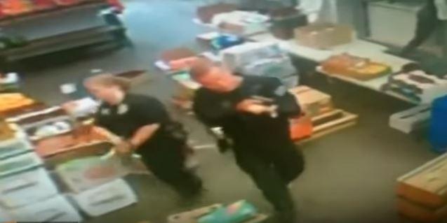 Armed agents raid Rawsome Foods, a market in Venice, Calif.