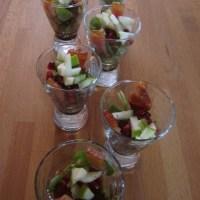 Glashapje met groene appel, spek en granaatappel