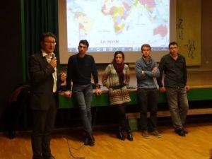 Décembre, quatre jeunes plonéouristes témoibnent de leur expérience à l'étranger