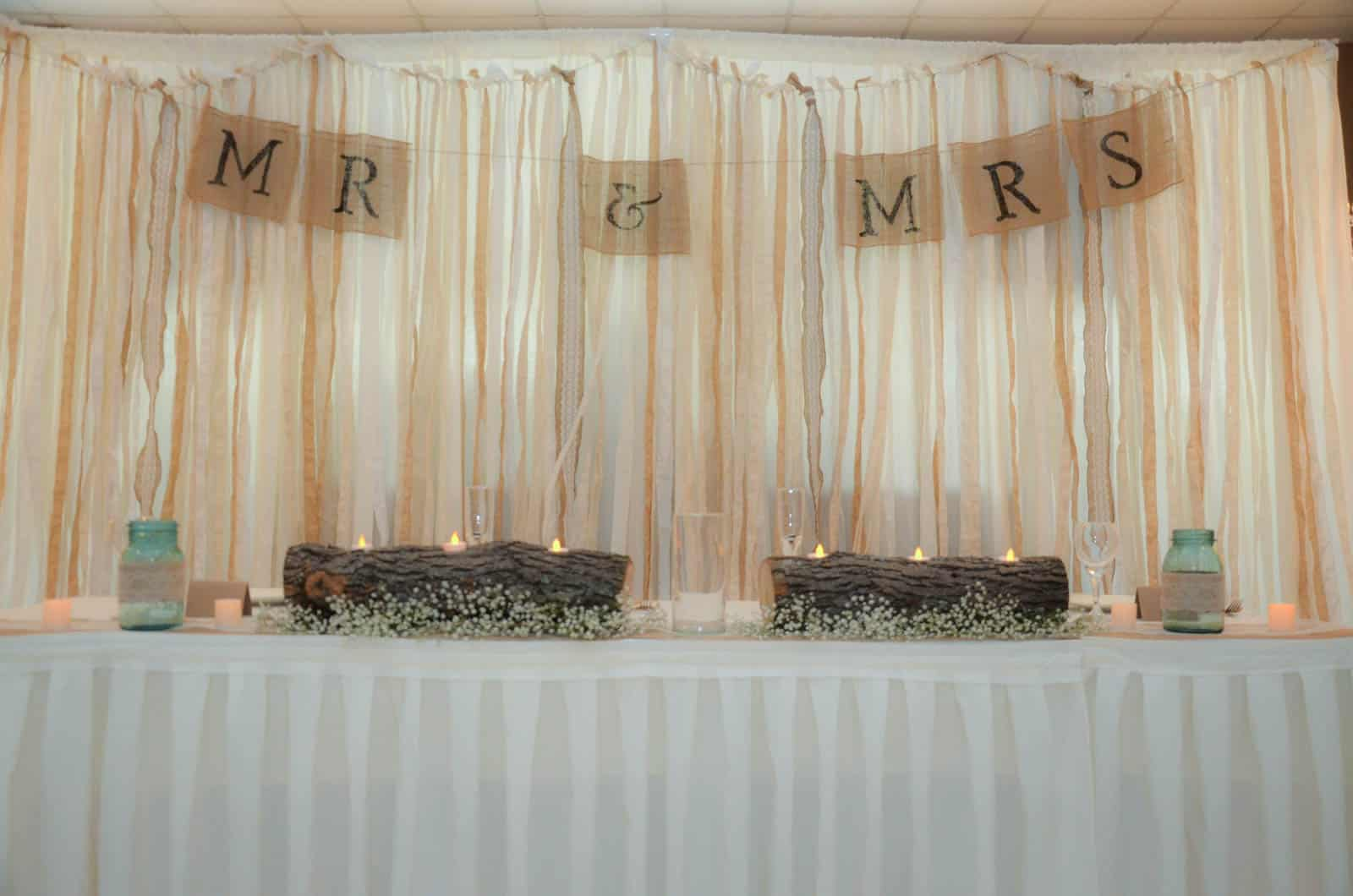 Burlap and Lace Country Wedding Decorations - Plowing Through Life