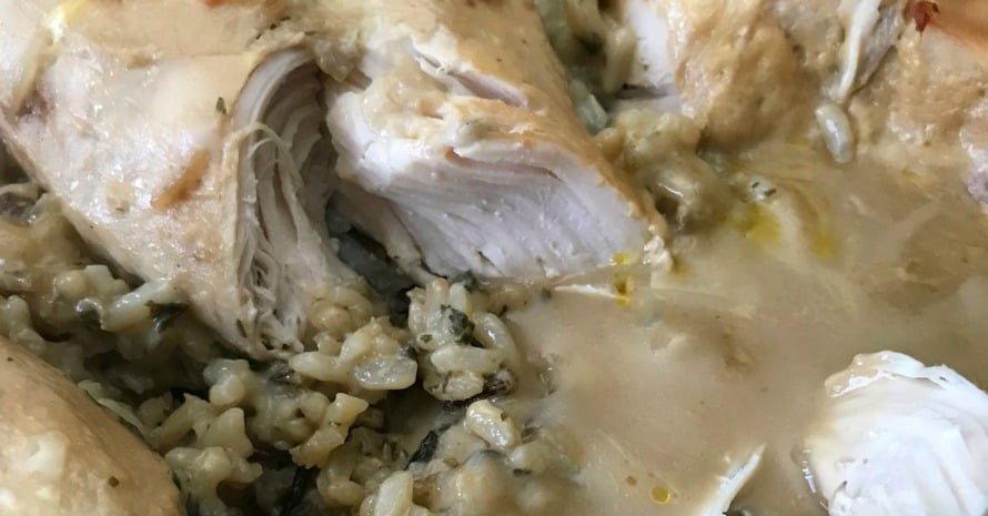 Does anybody else need a new idea for an easy family meal?  This No-Peek Chicken is so easy, just layer the ingredients in the pan, cover with foil and don't peek!  Come back in two hours and enjoy a DELICIOUS meal! #chicken #easyrecipe #familydinner #easychickenrecipe
