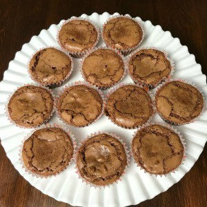 These Frost Me Not Cup Cakes are a great combination of a chocolate cupcake and brownie. The individual portions are perfect! And the cupcake holds together well, even when you take the wrapper off. #easycupcake