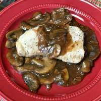 We love pork and fresh mushrooms, so we wanted to create a recipe to make pork chops in the Instant Pot with a fresh and flavorfulgravy. These Instant Pot Pork Chops with Mushroom and Onion Gravy make a great supper!