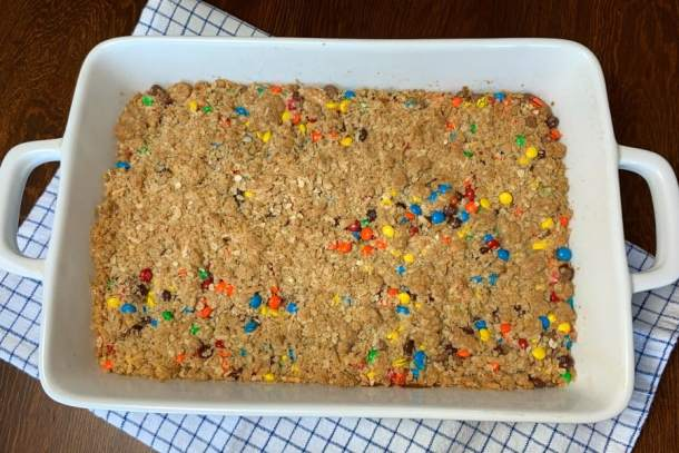 Amish recipe for M&M and chocolate cookie bars with oatmeal