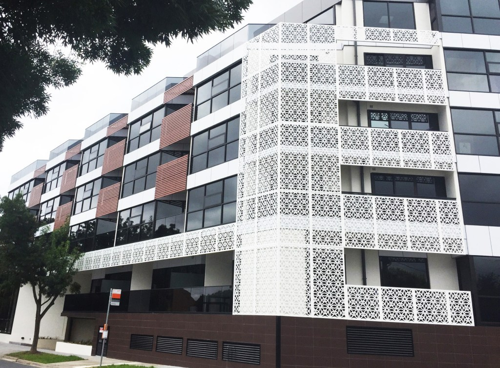 'Ring Array' Facade, Glen Iris (Powder Coated Aluminium)