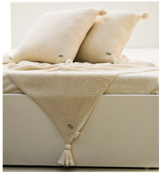 Knitted Throw & Cushion Cover