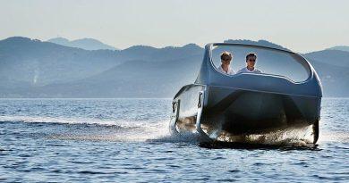 Sea Bubbles electric air foil water taxi