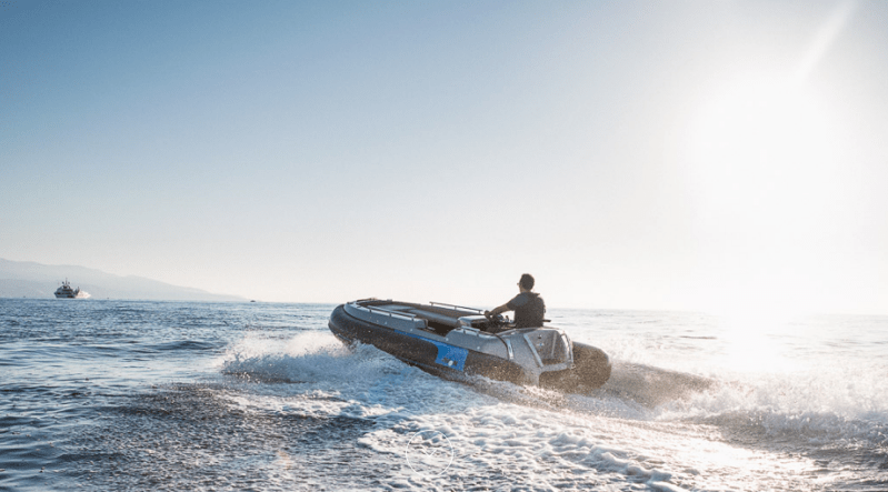 An electric hydrojet propelled boat at high speed