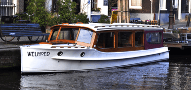 Welmoed electric boat for rent in Amsterdam