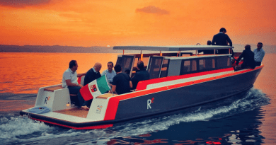 E-watertaxi launches Italian lake's public charger