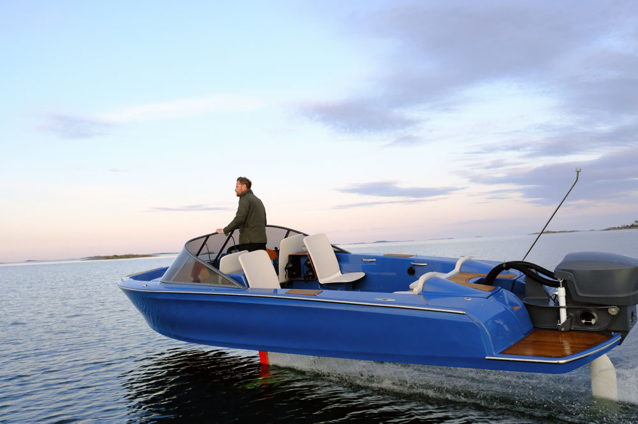 Hydrofoiling electric boat