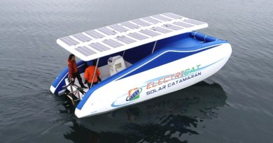 BOOT: New inflatable solar catamaran is 'light as air'