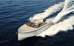 Rand Leisure 28 electric boat