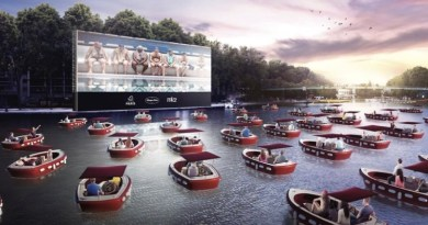 38 electric boats create floating cinema on the Seine