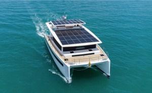 Solar eletrci catamaran