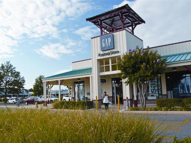 Charging stations are near the Gap store in Seaside center. photo: Tanger Outlets