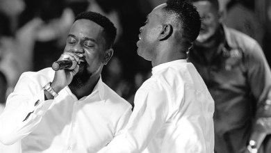 gospel singer Yaw Sarpong and Sarkodie performing