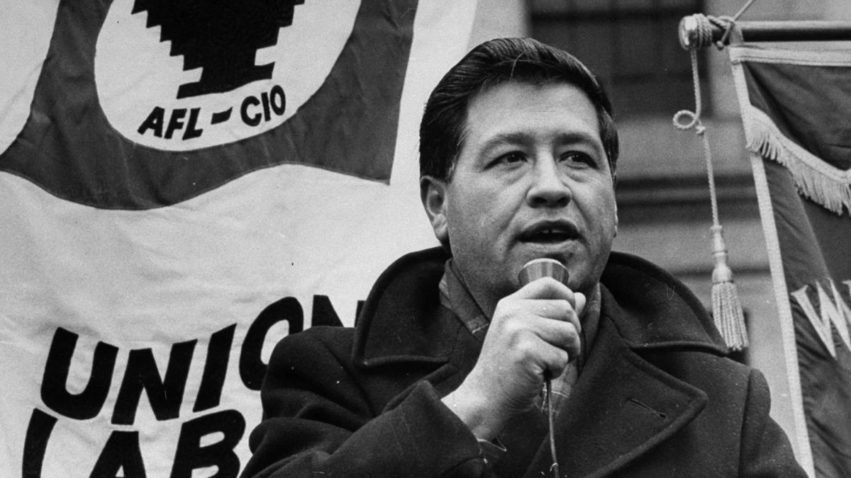 Quién demonios es César Chávez? - Plumas Atómicas