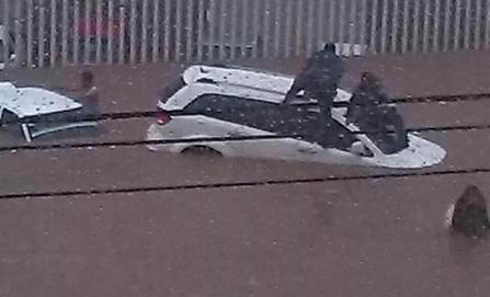 Severa inundación esta noche en varios puntos de Tlalnepantla