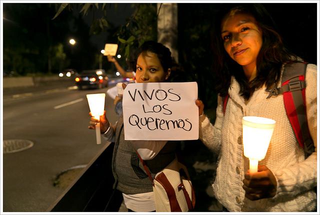 Vigilia en la UNAM por Ayotzinapa