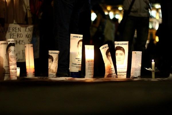 22 de octubre de 2014: Una luz por Ayotzinapa