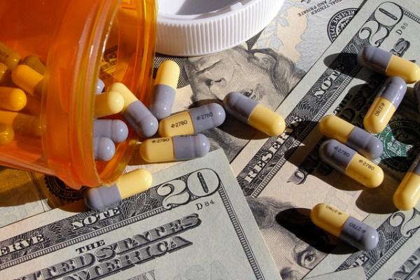 La empresa de Shkreli infló el precio del Daraprim de 13.5 a 750 dólares por píldora