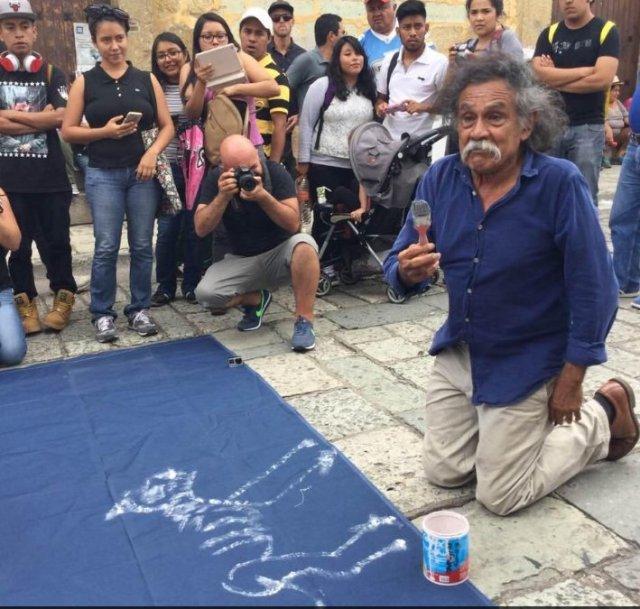 El pintor Francisco Toledo exige el alto a la criminalización