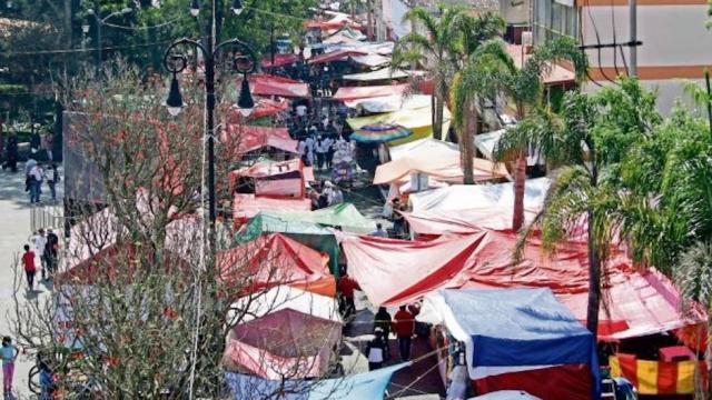 Ambulantes del centro de CDMX liderados por Barrios