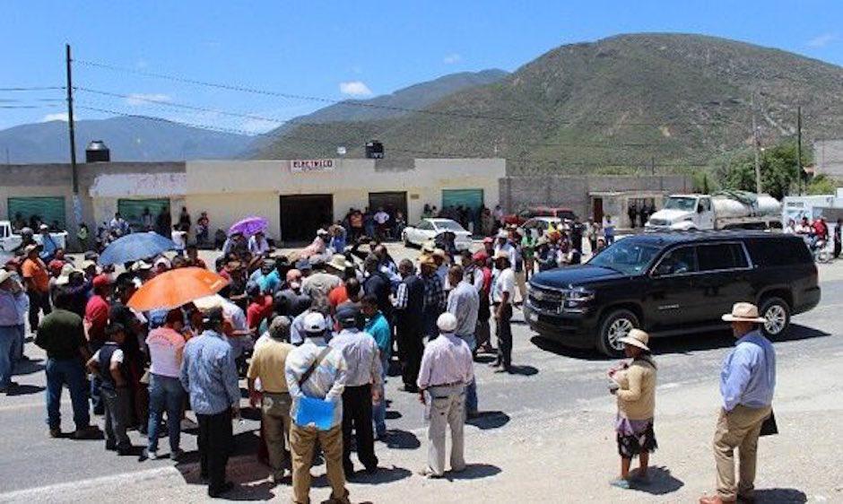 ¿Pobladores de Zapotitlán le negaron el acceso a Peña Nieto?