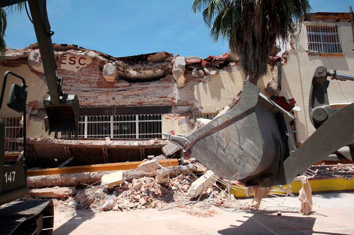 10 mil escuelas dañadas, 400 que reconstruir: SEP