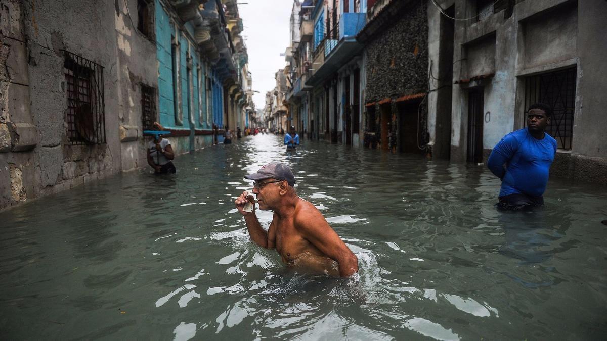 Irma impactó Cuba y Florida, perdió fuerza
