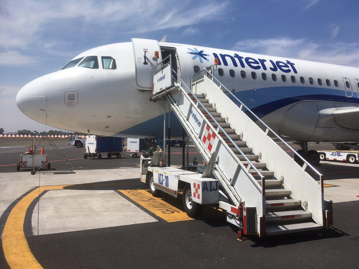 Aerolíneas tendrán que dar compensación por retrasos: Interjet? agua