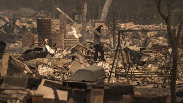 incendios en california acaban con casas y bosques