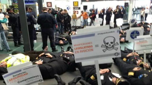 Aunque hay mesa de diálogo, sigue paro de pilotos de Aeroméxico