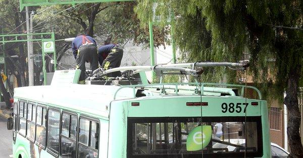 Por robo de cable se suspendió el servicio de trolebús por horas