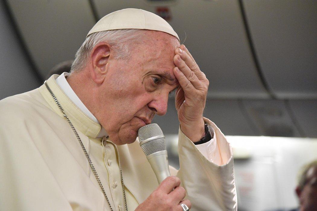 Francisco pide disculpas por exigir pruebas a víctimas de pederastia