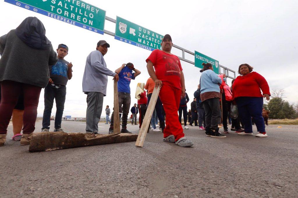 premian con pizza a manifestantes que reventaron caravana de Corral
