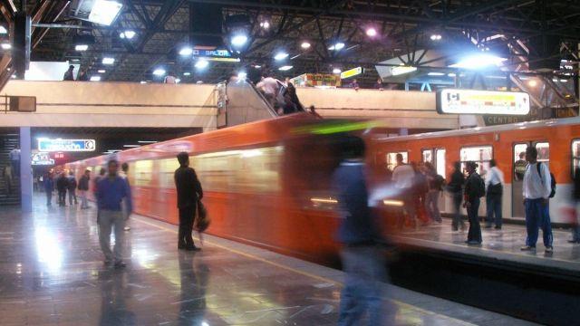 En Metro Chabacano detienen a hombre por abuso sexual