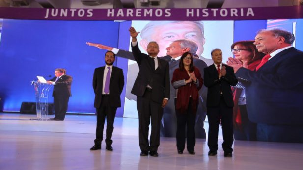AMLO propone una constitución moral frente al PES