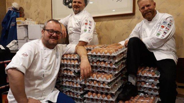 Equipo olímpico noruego recibió 15mil huevos... por error de Google Translate