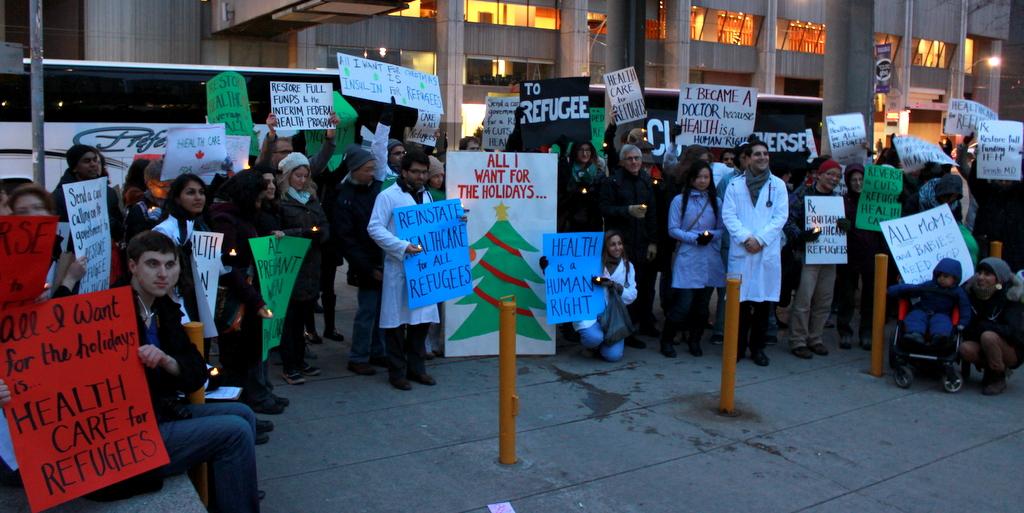 Resultado de imagen para doctores de quebec protestan contra el aumento salarial