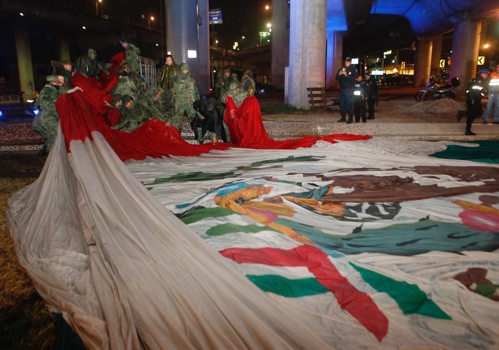 Otra vez se cayó por lluvias la bandera de San Jerónimo