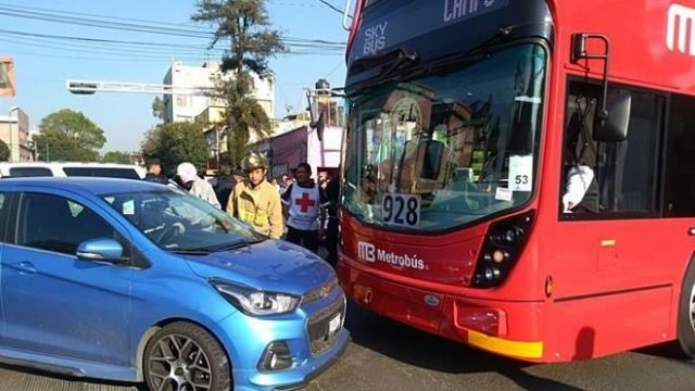 primer choque metrobús nueva línea 7