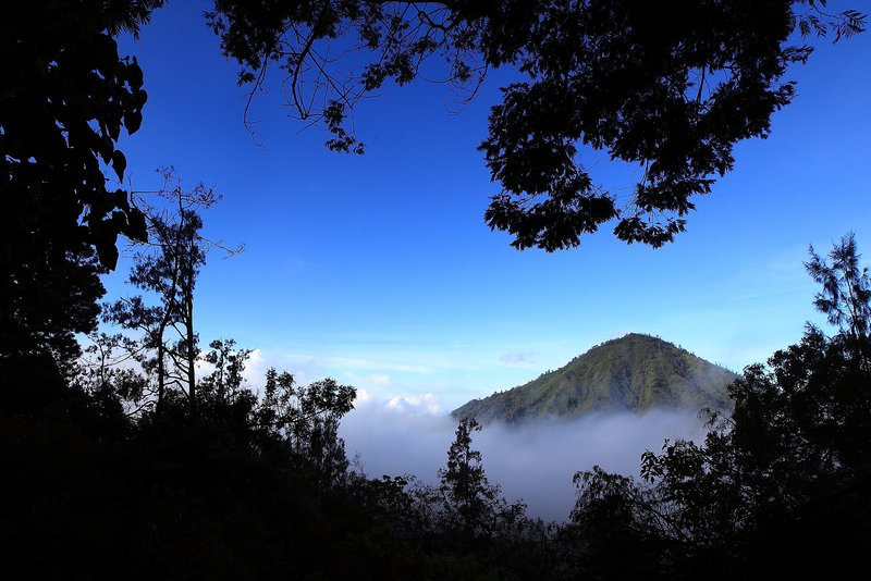 Volcán en Indonesia ha envenenado a 30 personas y siguen sin desalojar