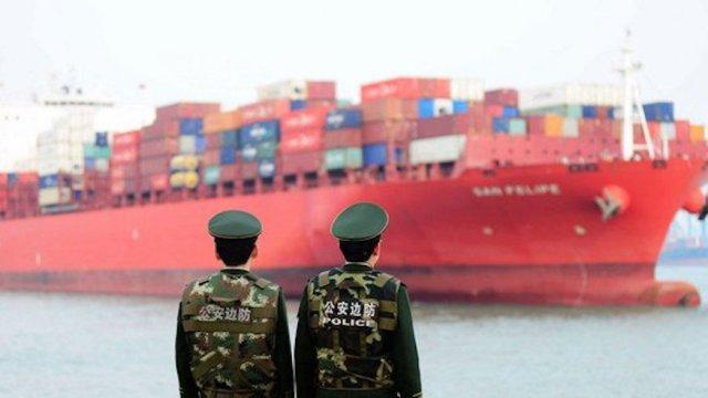 China impone aranceles a productos de Estados Unidos